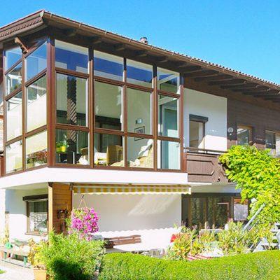 Baujahr: 2012 Ausführung: Kunststoff mit Holzdekor außen