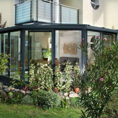 Baujahr: 2012 Ausführung: Holz-Kunststoff mit Acryloberfläche außen